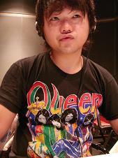 asato with queen.JPG